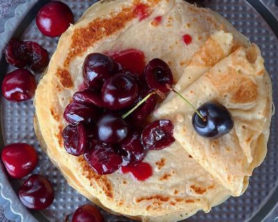 Vegan Crêpes with Cherries * Crêpes mit Kirschen