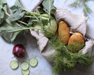 Cremige vegane Kohlrabisuppe mit Dill