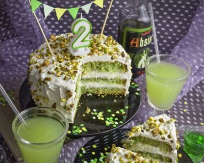 Happy Birthday! Absinth-Pistazien-Torte mit weißer Schoko-Mousse